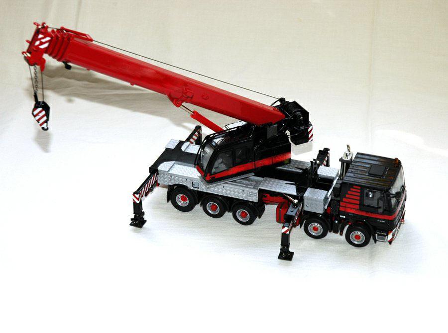 重型吊车工程车模型