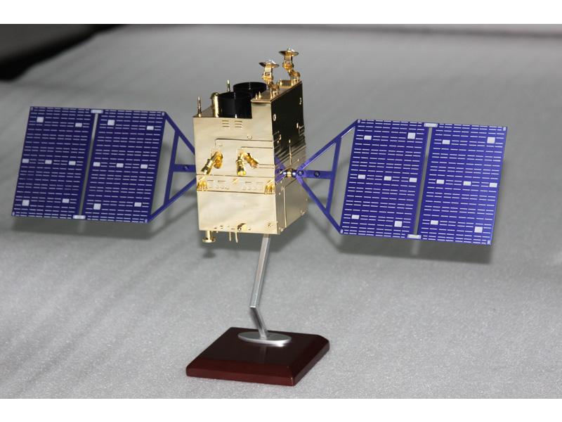 高分二号卫星模型1:35